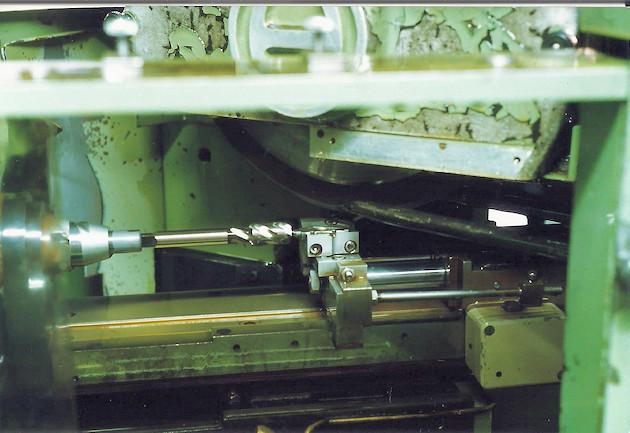 RENISHAW - szliferka HERTLEIN - rowki wiórowe gwintowików