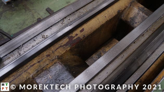 lathe - conventional - linear ways